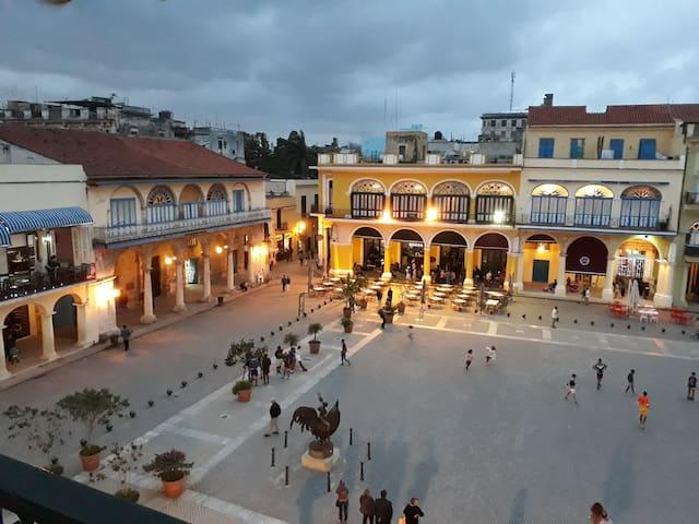 Casa Villamolk en la Plaza Vieja