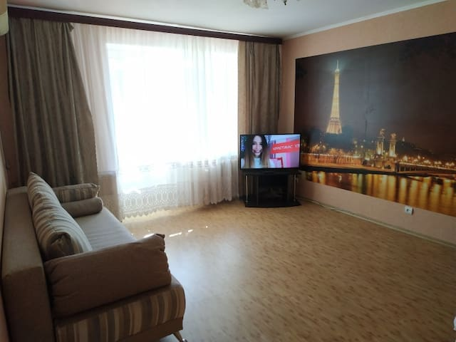 Free and clean apartment on Podolia. Dachnaja str, 7