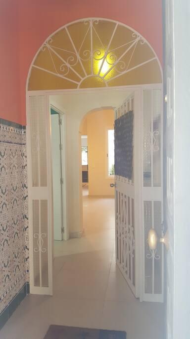 Puerta de entrada, típica de casa andaluza