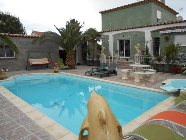 Charmante villa 4 faces proche plages/Espagne - Pia - Villa