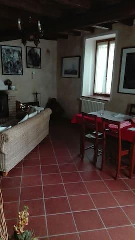 Casa nel bosco parco del Curone! - Viganò (LC) - Dům