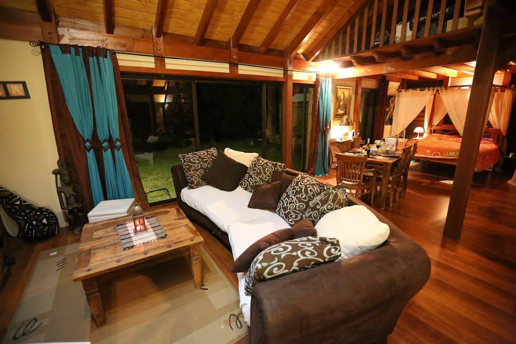 chalet bois loft 100m2 lofts louer savanah province sud nouvelle cal donie. Black Bedroom Furniture Sets. Home Design Ideas
