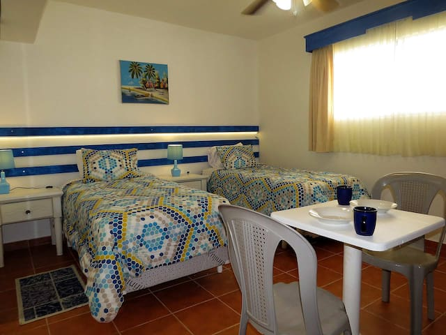 Beachfront, private Bedroom, Kitebeach, 202B