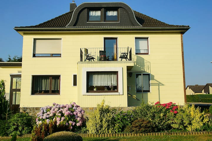 Private Zimmer / Haus (neben National Park Eifel)