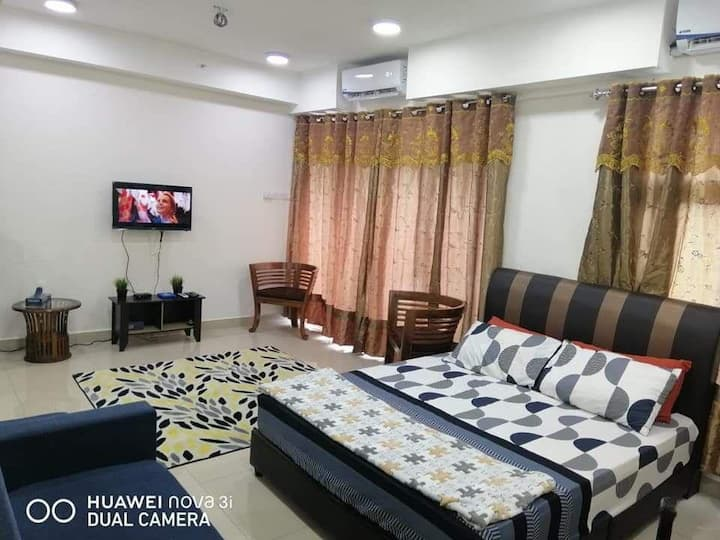 HOT SPOT SUITE IN THE MIDDLE OF KOTA BHARU.