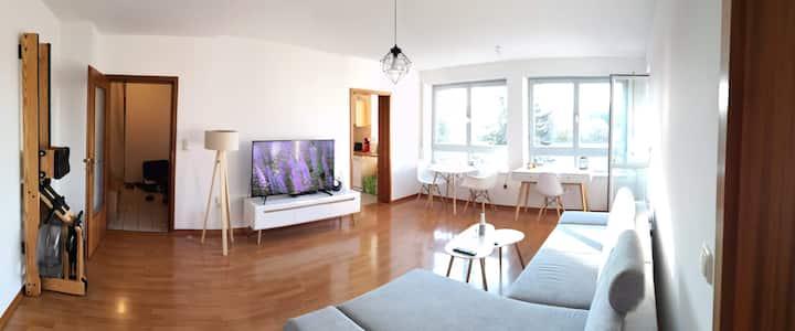 Bellevue-Apartment mit Balkon