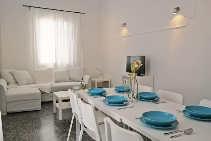 Manos Place - 2 Bedroom House Naxos Town