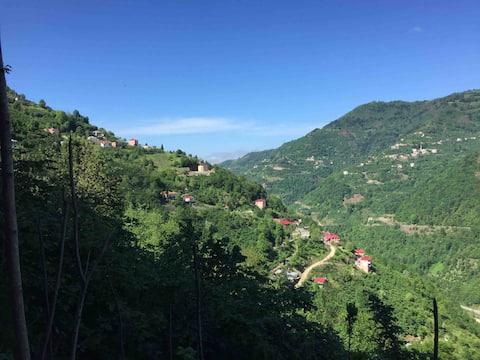 Villa de montaña con vistas al valle (reserva una habitación)