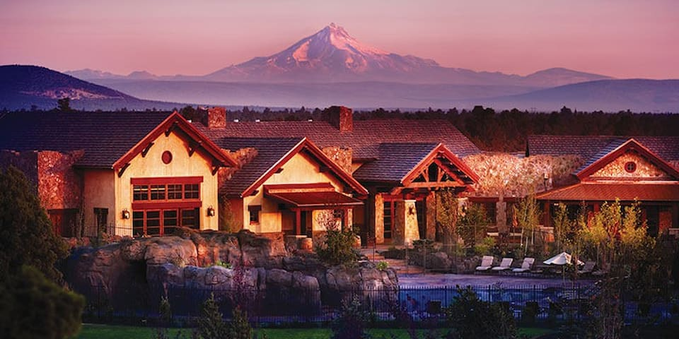 Luxurious condo at Pronghorn Resort - Bend