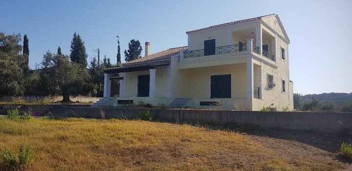 Villa with  sea views and mountain views