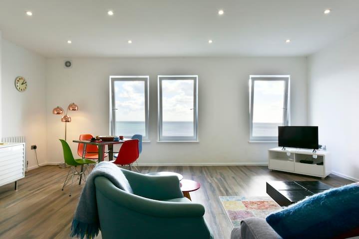 Seaside Apartment, Hythe, Kent Coast