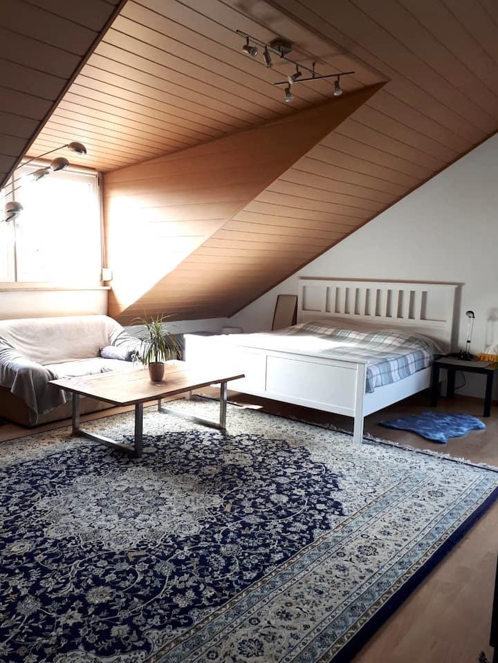Gemütliches Master-Bedroom in ruhiger Lage