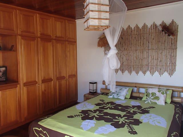 Loue joli bungalow calme et aéré à Supermahina