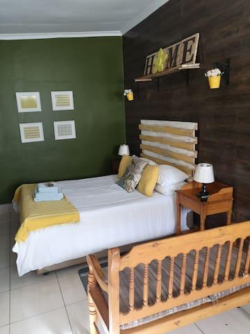 Shantilane Guesthouse