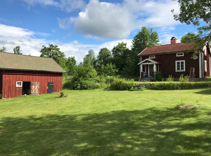 Mysig Dalastuga/cozy cottage in historic Bispberg