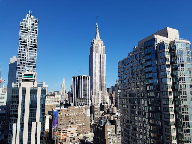 Bedroom with Empire State Building view! - New York - Appartement