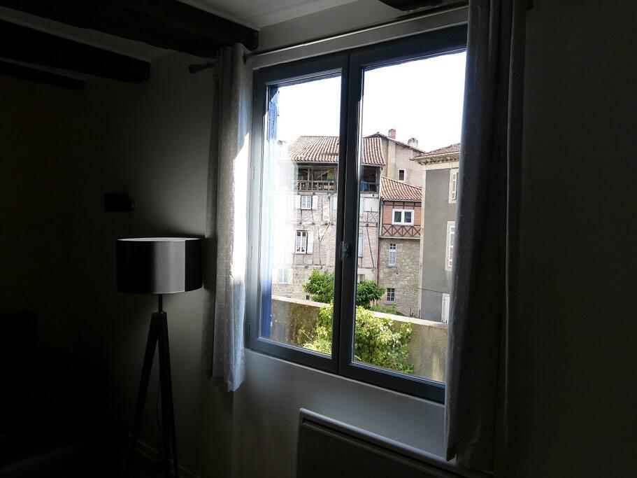 vue de la fenêtre du salon