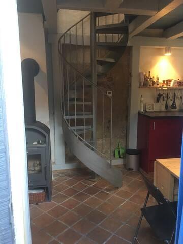 romantisches und sehr ruhiges Mini-Ganghaus