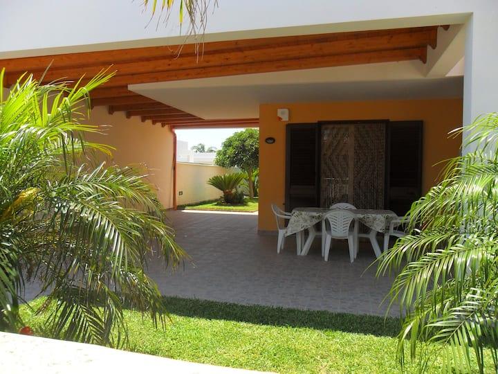 Villa MARE del SALENTO a 2 passi dalla spiaggia