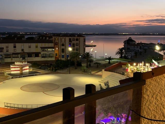 F3 ensoleillé, vue sur marina, piscine chauffée