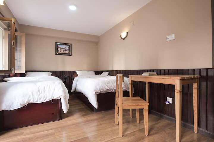 Twin Room Bed and 2pax Breakfast Plan