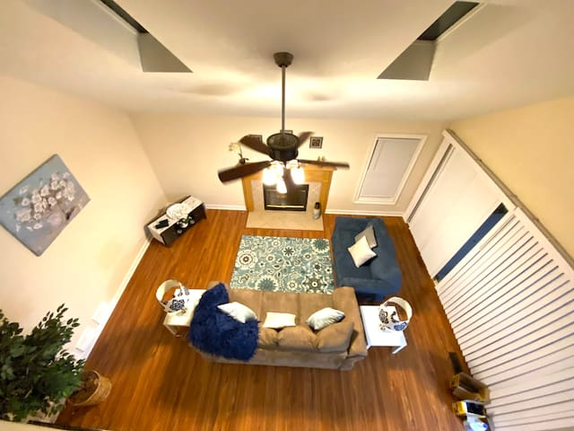 1 Private bedroom, Full Kitchen, Free Parking