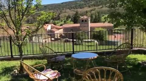 Cabañas con recinto privado, con maravillosas y relajantes vistas.