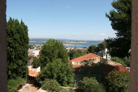 Restanques - Sete - Bed & Breakfast