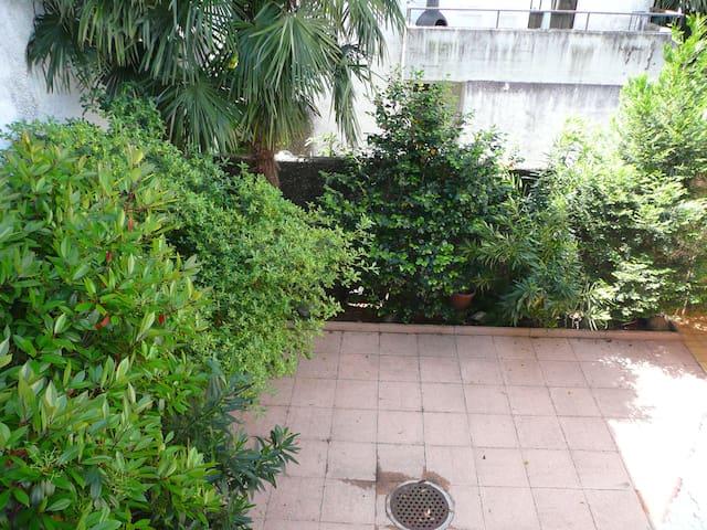 Between golf course and lake,indoor swimmingpool. - Caslano - Casa
