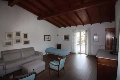 Il Glicine - Lovely flat above the lake