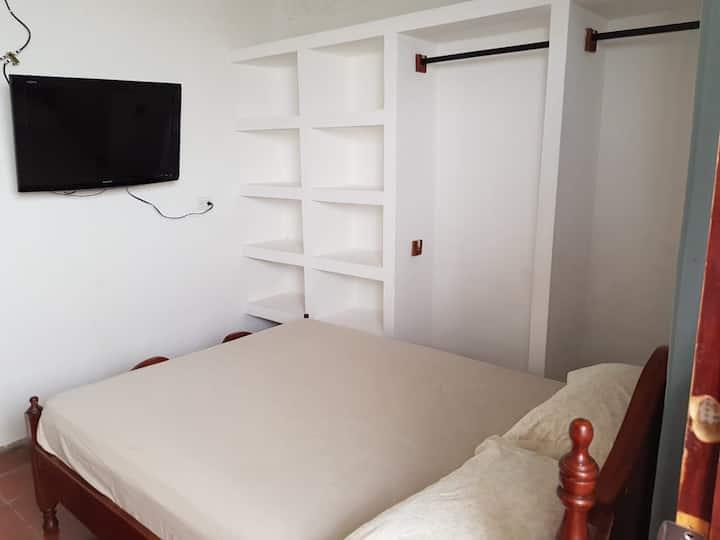 habitación con baño privado (aire acondicionado)