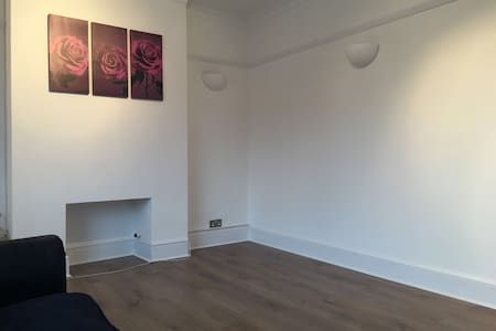 A NEWLY REFURBISHED APPARTMENT - Watford - Διαμέρισμα