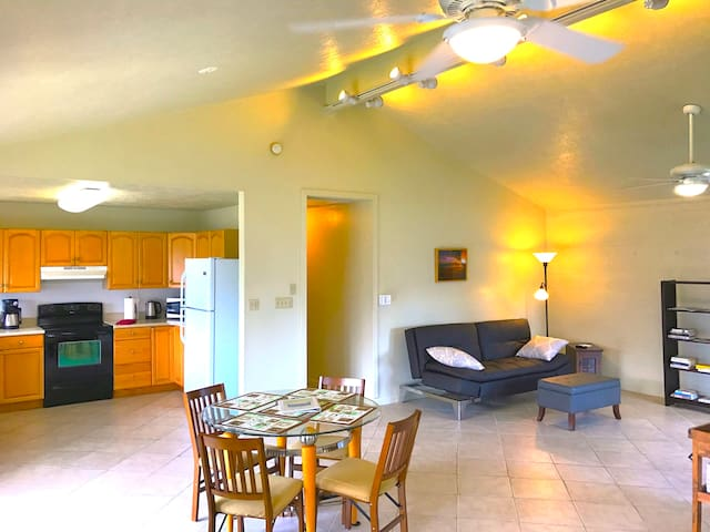Kailua, home, yard, BBQ, 3min drive to beach/town