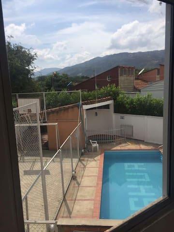 Corte Real, piscinas, apartamento esquina, 63 mts2