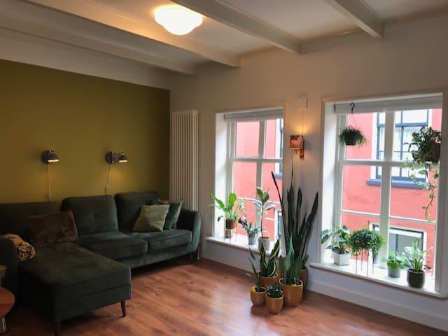 1e verdieping: woonkamer. Relax...
