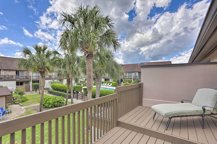 Updated Resort Condo - Walk to Myrtle Beach!