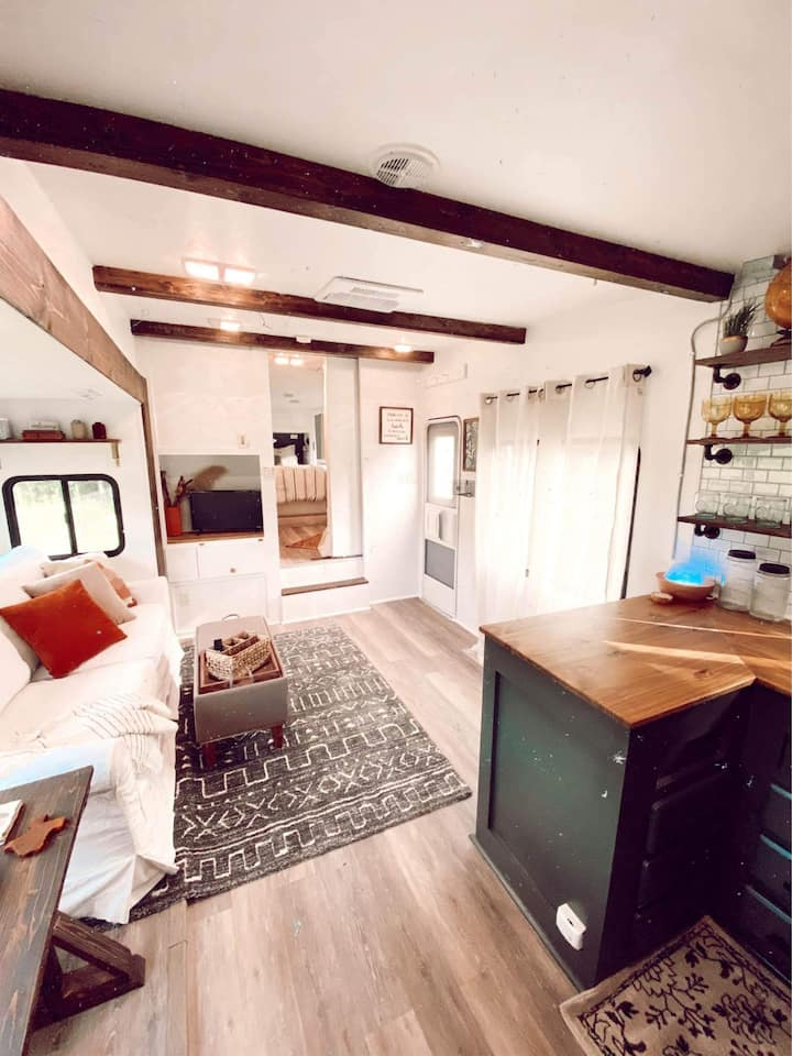 Modern Farmhouse RV Retreat - Elmwood Area