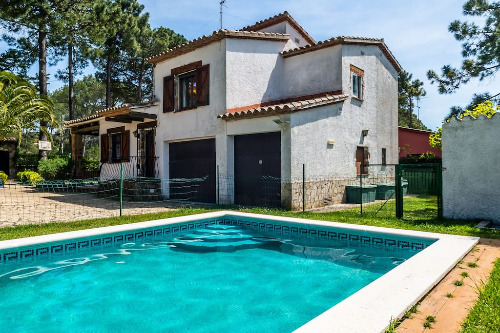 Casa r stica con piscina privada ref rb 1 casas en for Casa con piscina privada alquiler