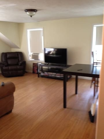 Very clean and quiet home near Salem and Boston. - Peabody - Apartamento