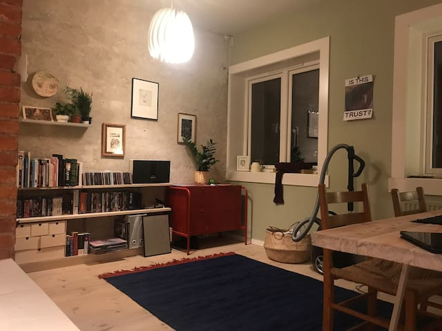Updated and charming flat in perfect location