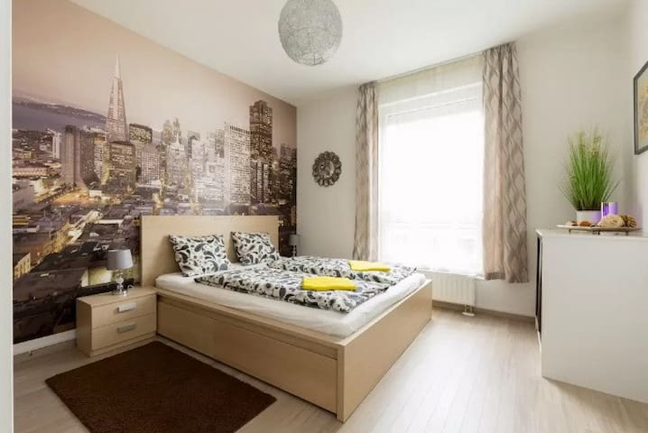 Purple luxury with aircon at Heroes Square - Budapest - Apartment