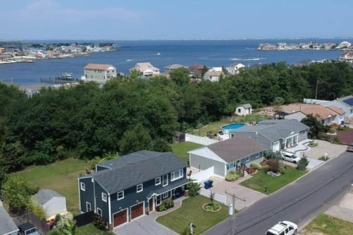 Luxurious  Home Minutes from NJ's Best Beaches.