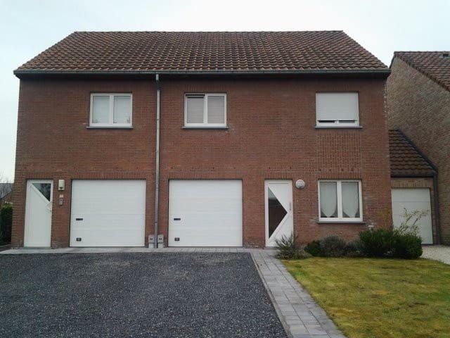 Rez de villa 4 personnes jardin - Tournai - Apartment