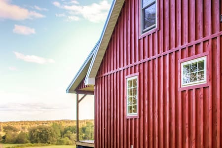Quaint 1BR + Loft Mayville Cabin - Mayville