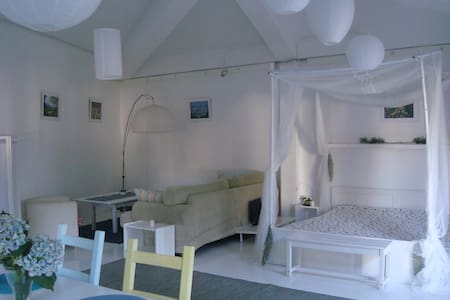 Lovely Spacious Studio with swimming pool & garden - São Lourenço - Andre