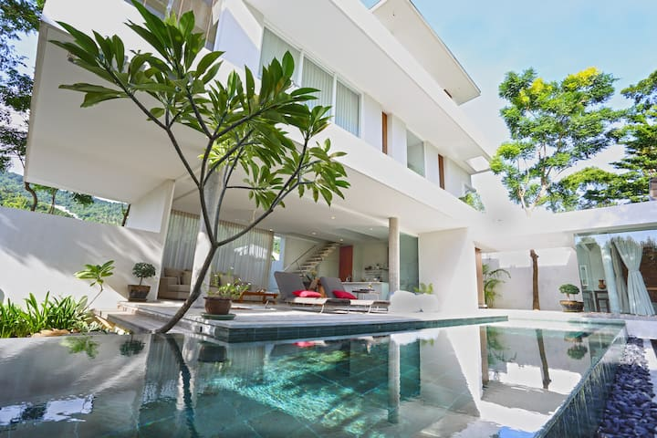 2Bedrooms,with Pool