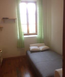 camera con divano letto a trento sud - Mattarello - Lägenhet