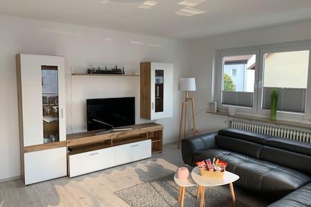 Apartment 2 - Sonnige Wohnung mit ca. 135qm