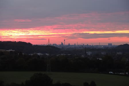 Beautiful view from 100sqm apartment to Dusseldorf - Erkrath - Lakás
