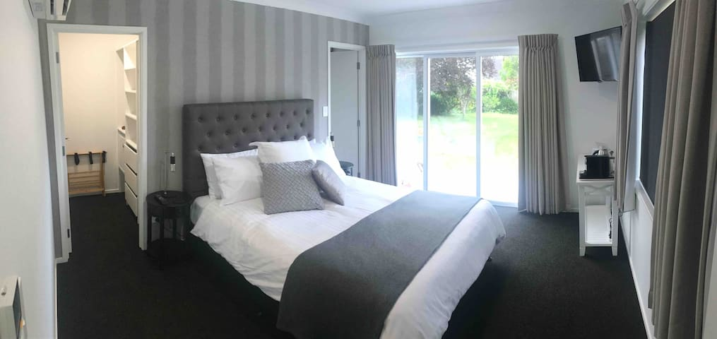 Quality Stay in Cockle Bay - Private guest room